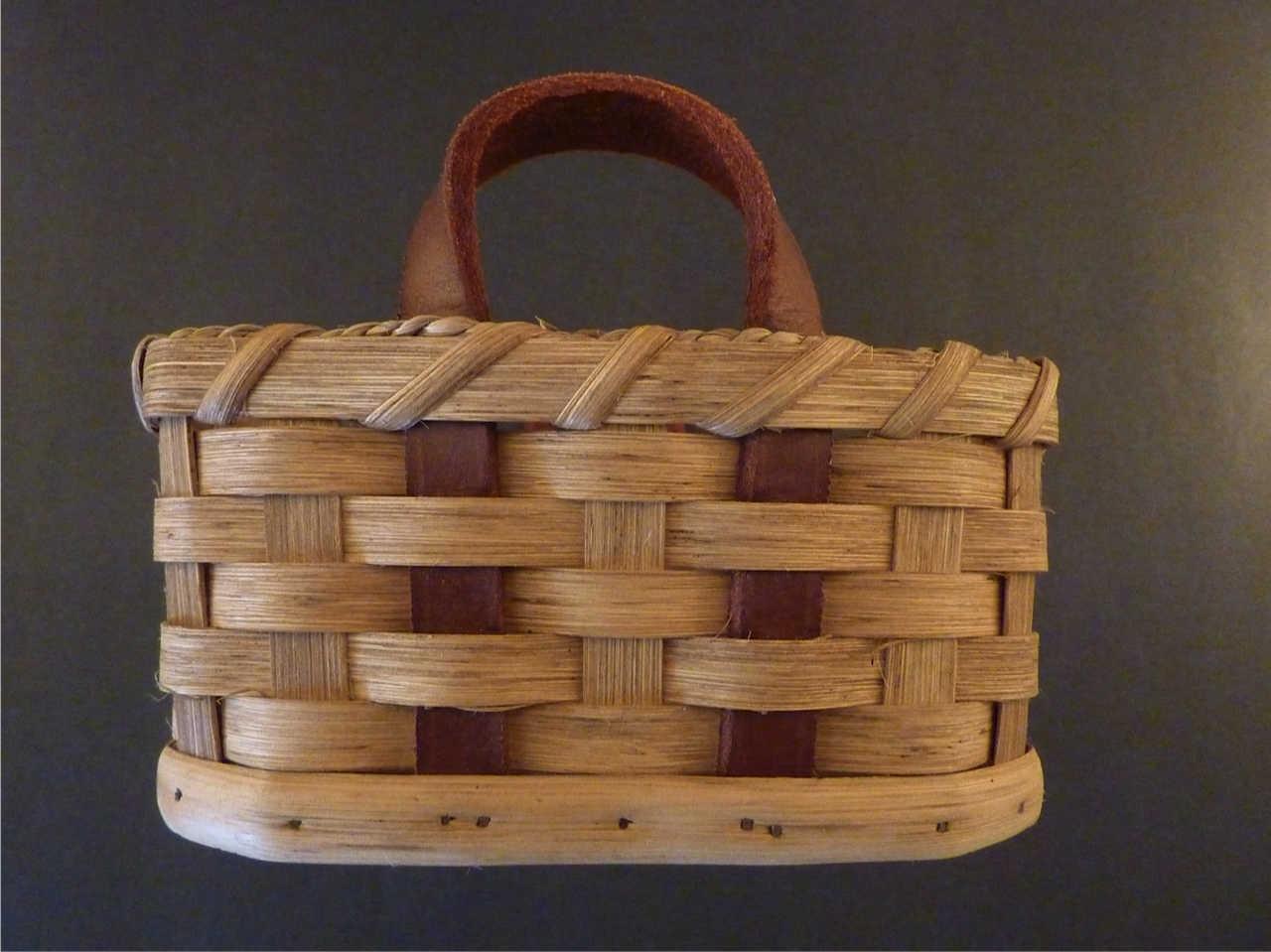 How To Hand Weave A Basket : Hand woven bread basket